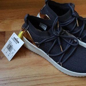 Adidas Ultimamotion running shoe sz 7.5